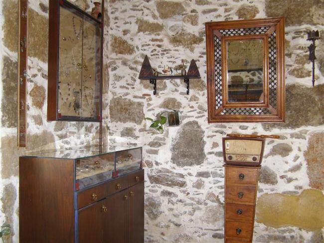 Symbol shop inside